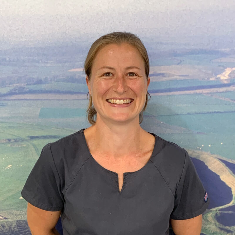 castle-vets-dorchester-weymouth-staff-kirsty-campbell